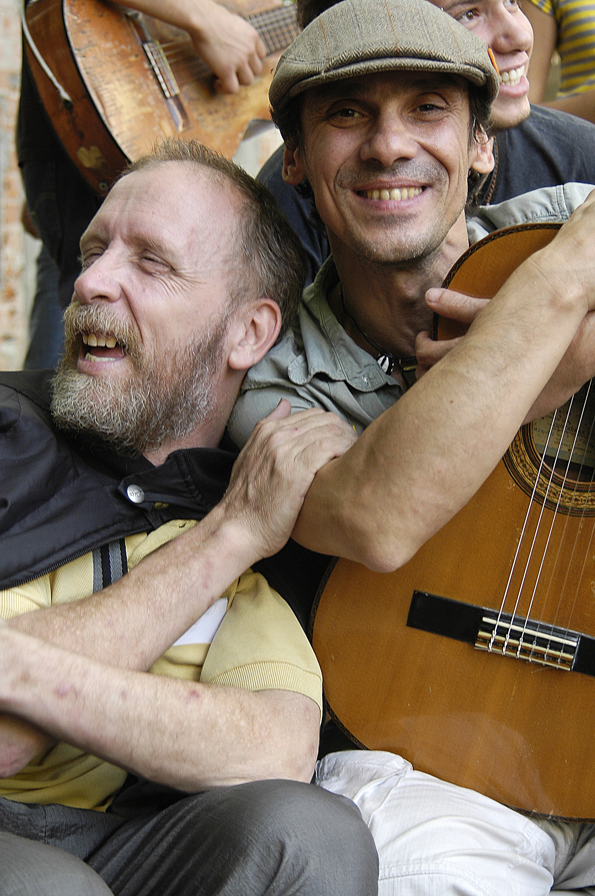 The singer Manu Chao has been working with La Colifata since 1991.
