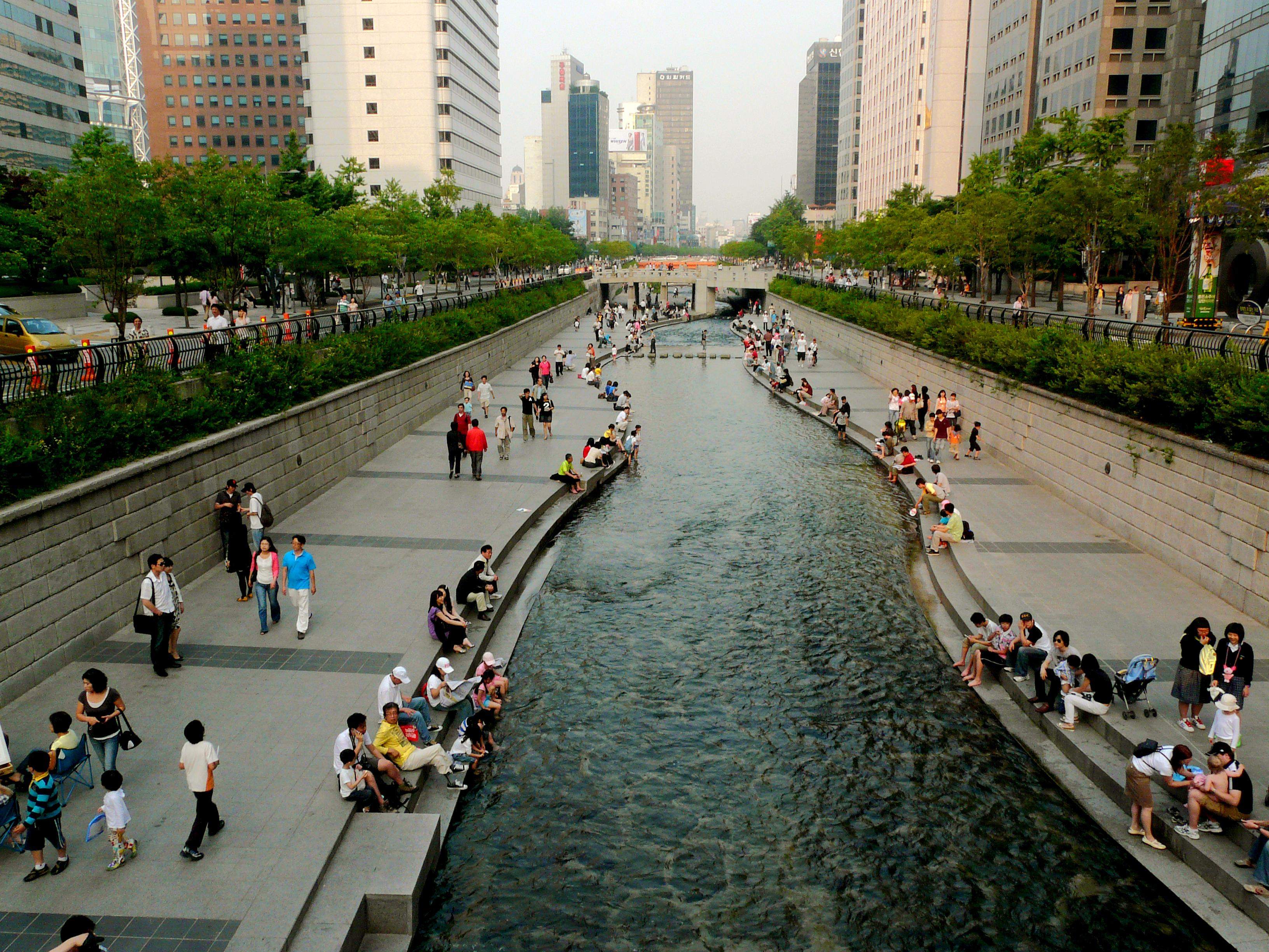 Cheonggye Stream is a public space in downtown Seoul and an urban renewal project. (Photo by Kimmo Räisänen)