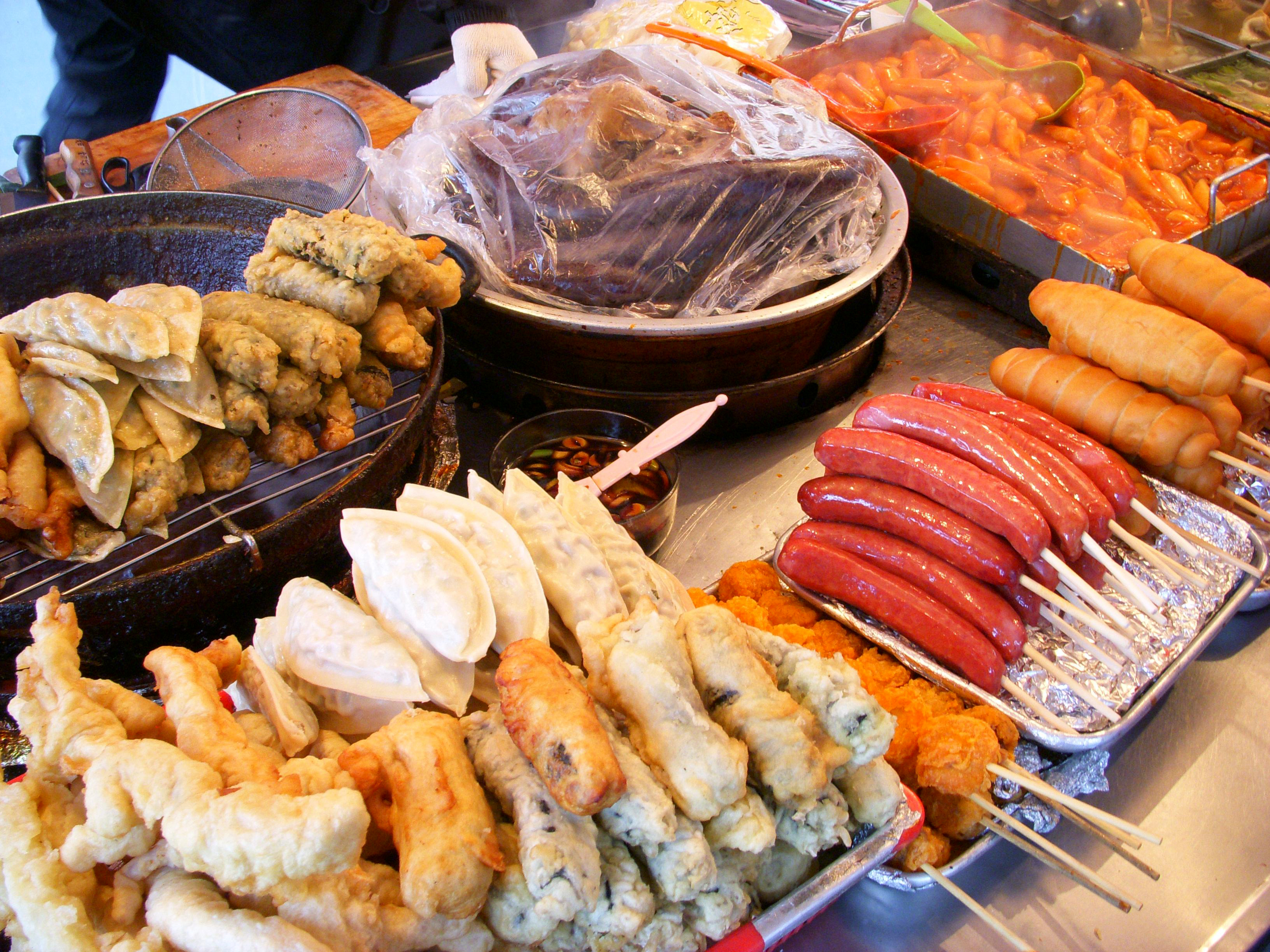 Street food in Seoul. (Photo by LWYang)