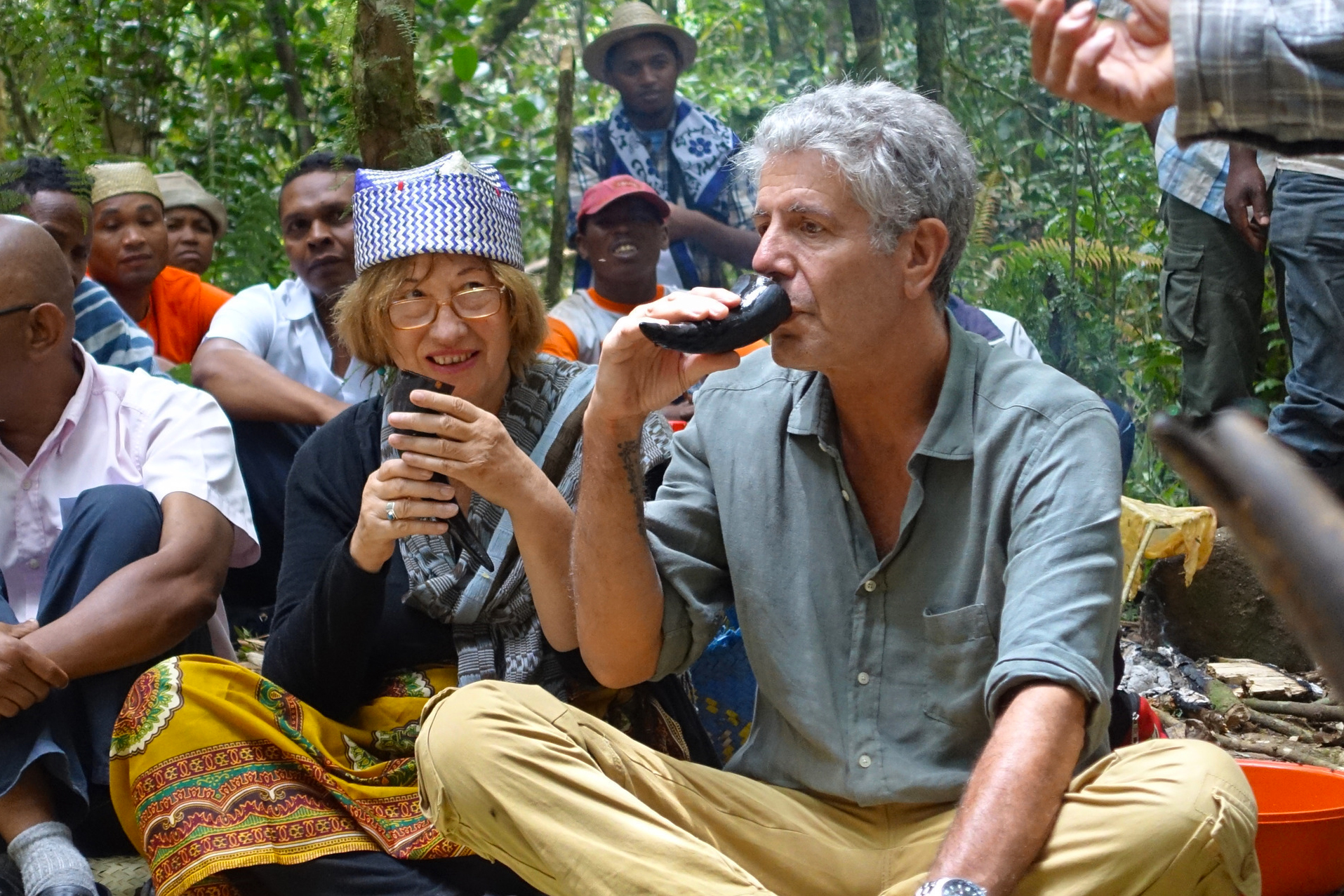 1. Anthony Bourdain with Darren Aronofsky / 2. Bourdain with Dr. Patricia Wright