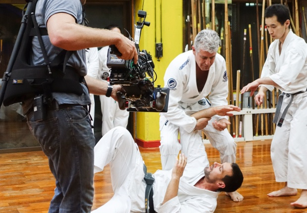 Bourdain trains at Sensei Hokama's dojo.