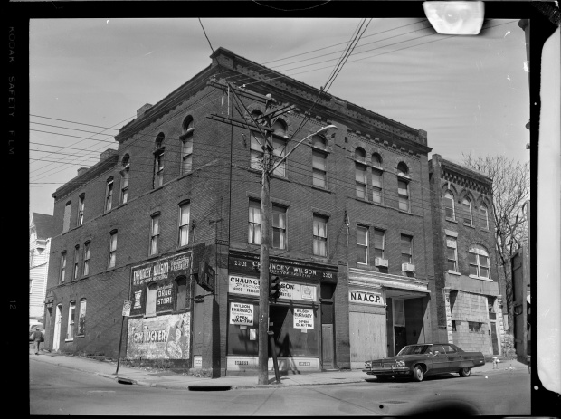 A building housing the local NAACP branch and Chauncey Wilson Pharmacy on Wylie Avenue and Kirkpatrick Street in the Hill District in 1969. (Photo by Charles 'Teenie' Harris/Carnegie Museum of Art via Getty Images)