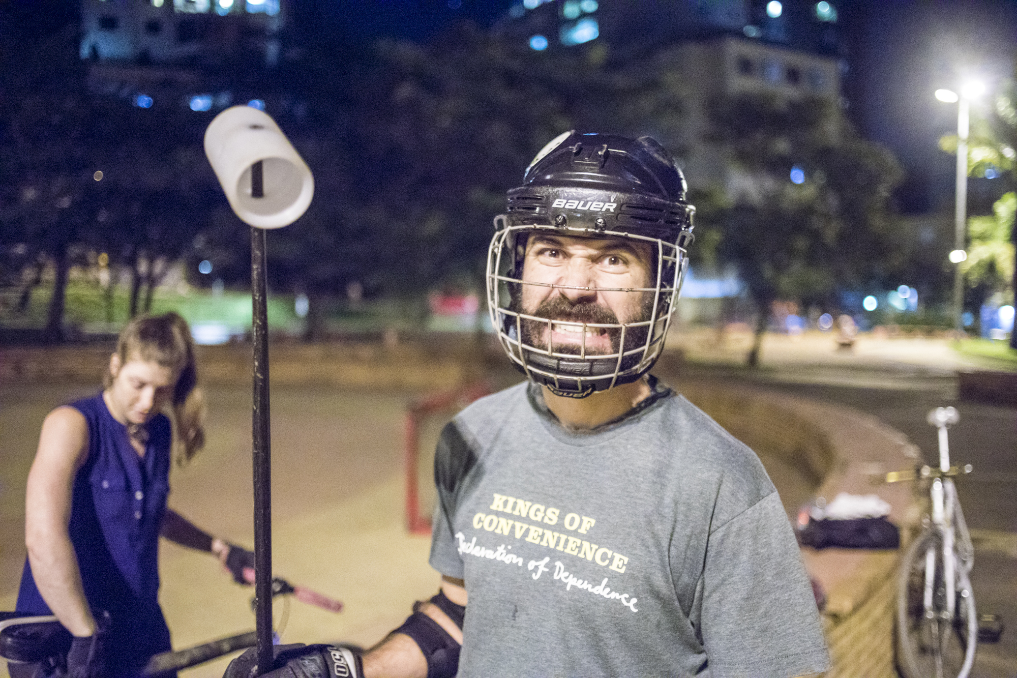 In 2013, a group of cyclists formed bike polo teams. The co-ed teams, which train twice a week in Praça Juscelino Kubitschek, have competed in national and international championships. They won the national championship in 2016.