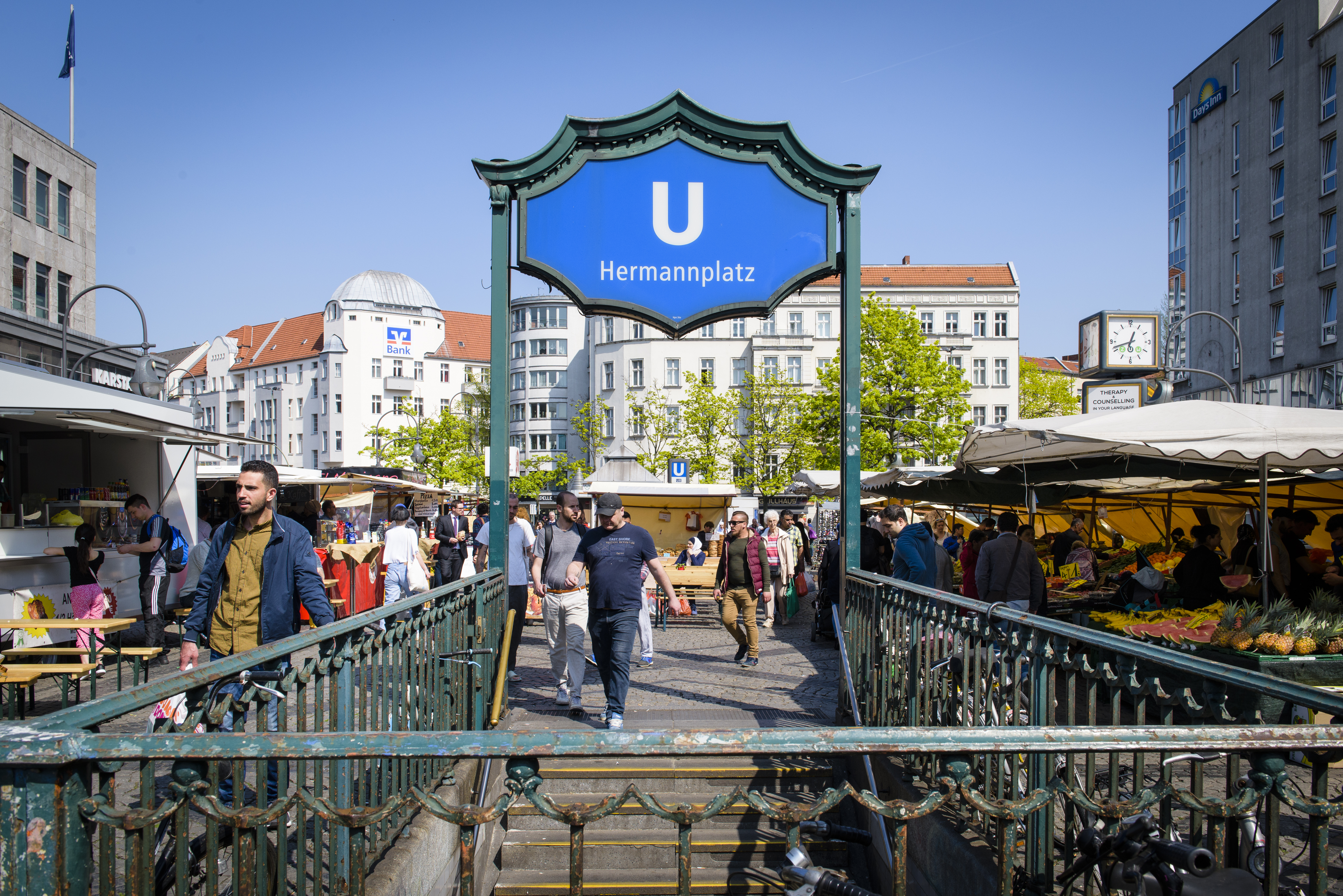 The weekly street market in Berlin Hermannplatz where Radwan often sets his truck up.