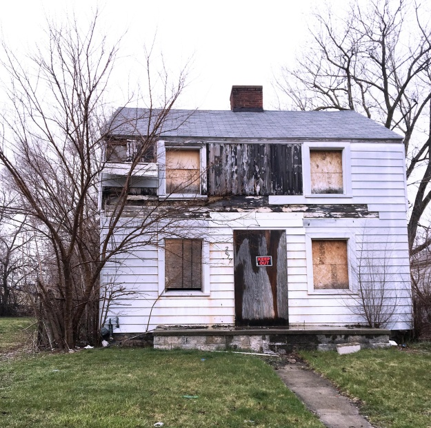Parks' house in Detroit.  1. Image courtesy of the Rosa Parks Foundation. 2. Photo by Fabia Mendoza.