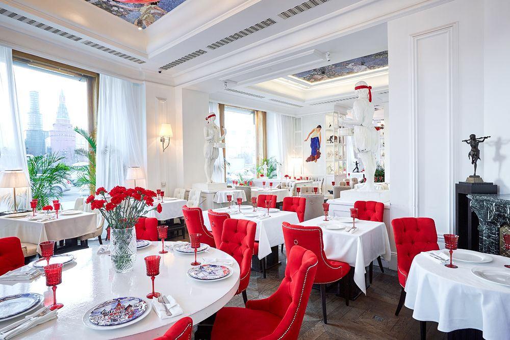 The Grand Cafe Dr. Zhivago. Photos courtesy of Hotel National.