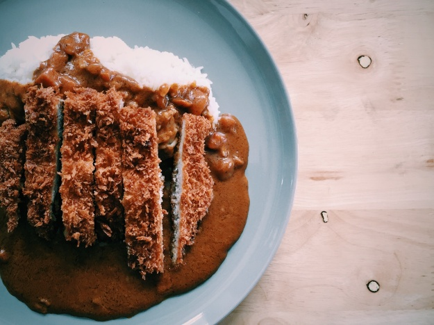 1. Katsu curry. Photo by Pairath Tawin. 2. Spinach chicken curry at Yogoro. Photo by Irwin Wong.