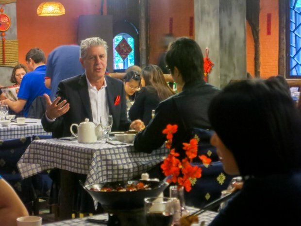 Bourdain has dinner with Information and Technology Entrepreneur, Thomas Yao at Di Shui Dong Restaurant in Shanghai.