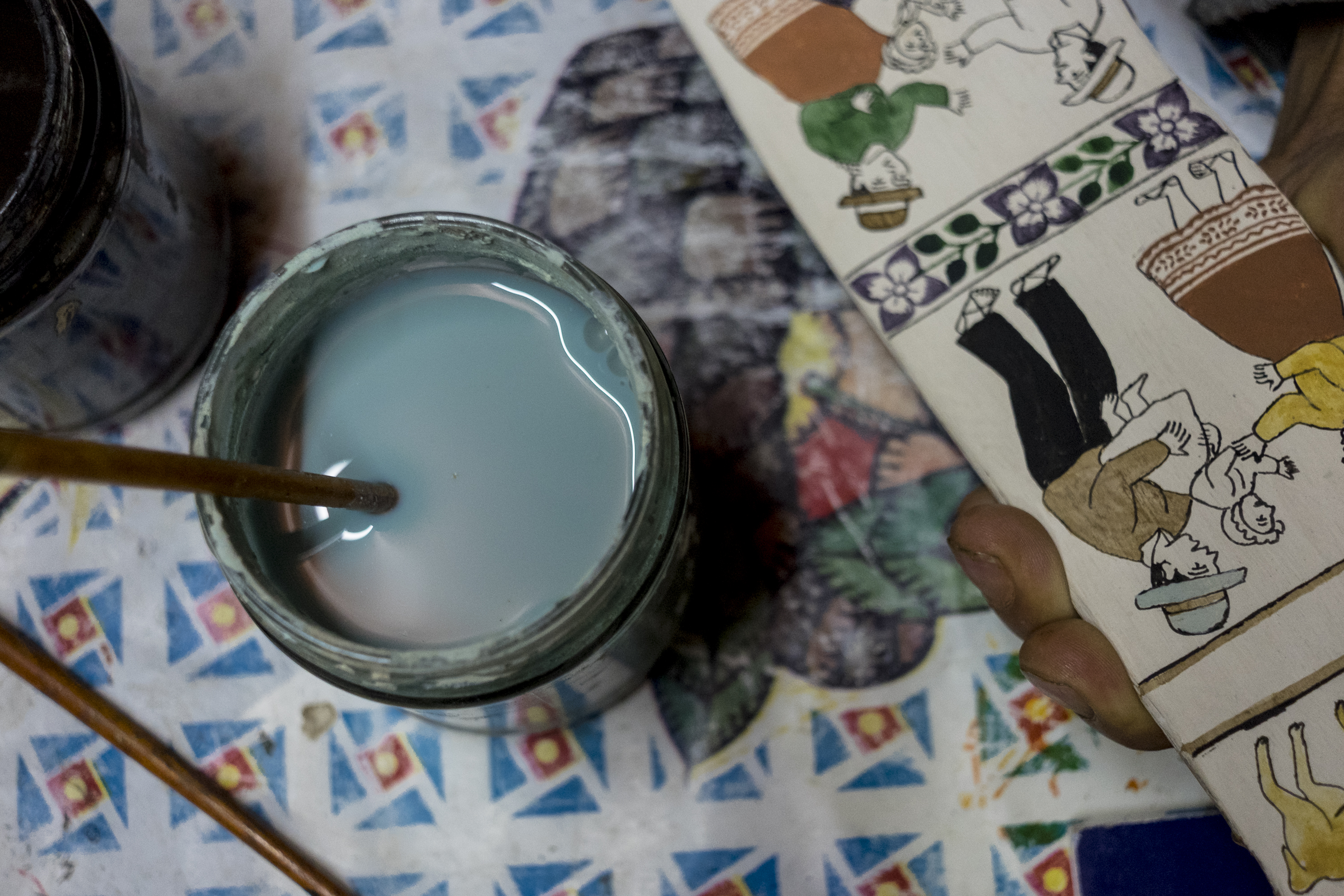 Paint for the tablas in Porfirio Ramos's workshop.
