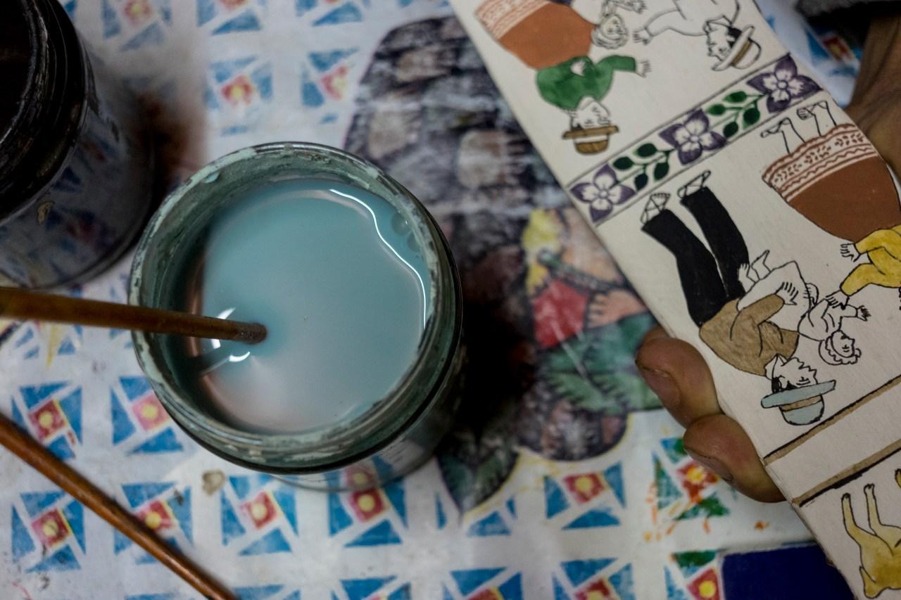 Paint for the tablas in Porfirio Ramos's workshop.